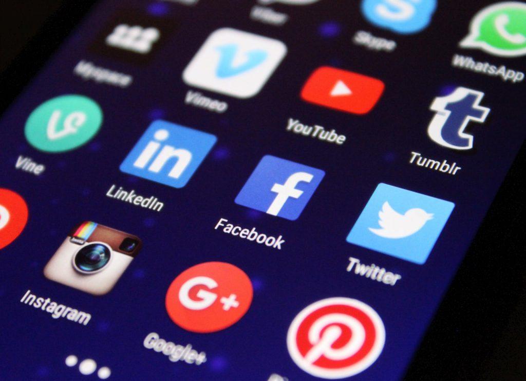 Cum alegi retelele sociale